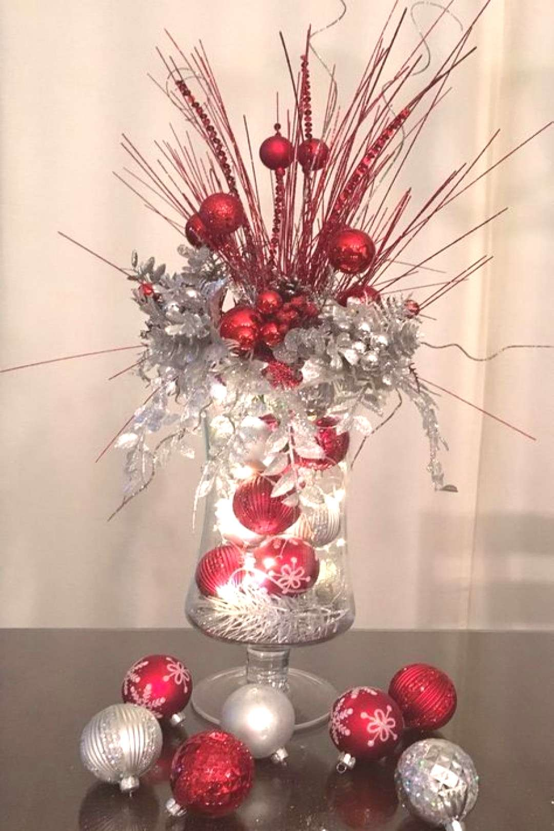 20+ Creative Christmas Centerpieces Ideas That You Must See 20+ Creative Christmas Centerpieces Ide