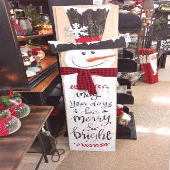 10 Wooden Christmas Plaques & Signs Decorations Ideas