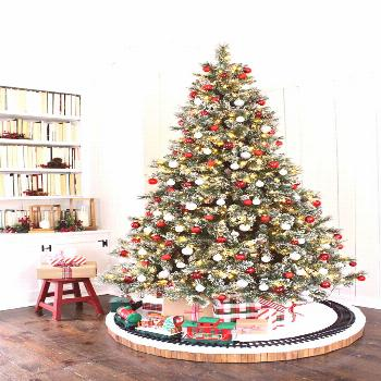 Check out this holiday how to and give your Christmas tree skirt a fun twist with a Christmas tree