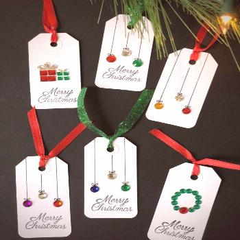 DIY Christmas Gift Tags | DIY vibes DIY Christmas Tags are fun and easy to make and the possibiliti