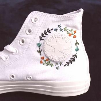 Gestickte High Top Converse  2019  This listing includes the cost of one pair of high top canvas co