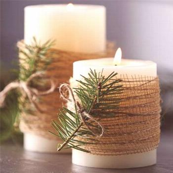 Simple Christmas Candles Decoration ; Table Decorations; Christmas Candles; DIY Christmas Centerpie