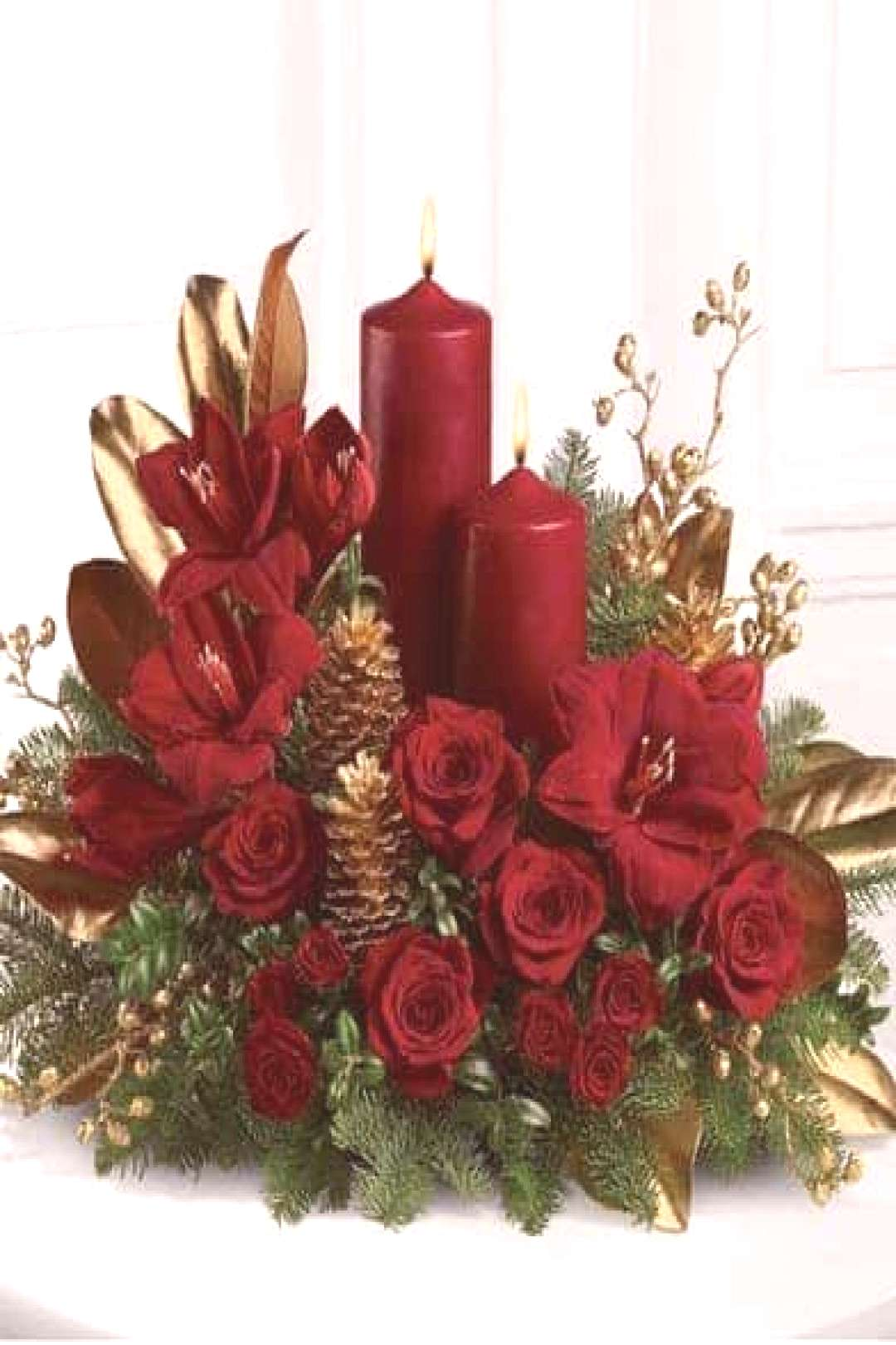 Beautiful, elegant and cozy Christmas centerpiece ideas to decorate your home for the holiday seaso