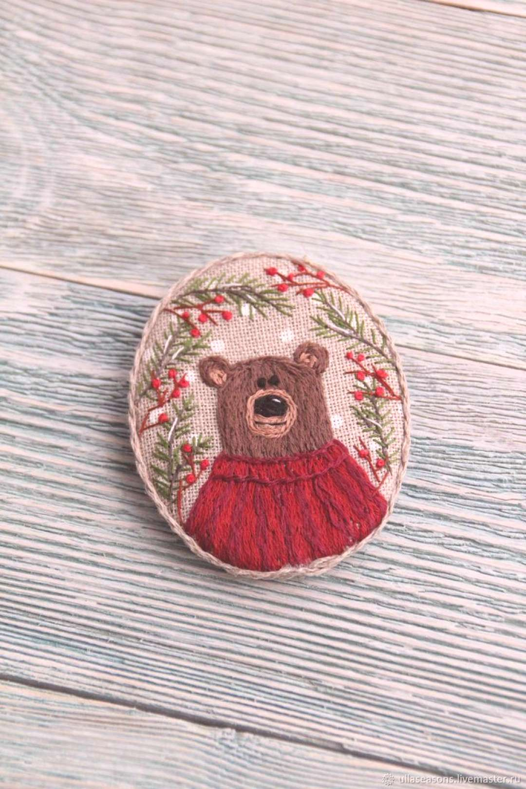 Brooch Winter bear - buy or order in an online shop on Livemaster | Brooch made of linen with embro