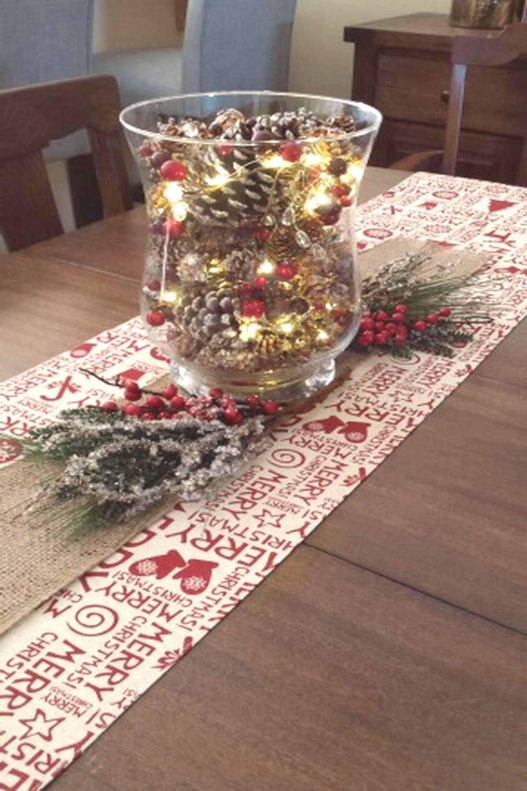 Inspiring Modern Rustic Christmas Centerpieces Ideas With Candles 61